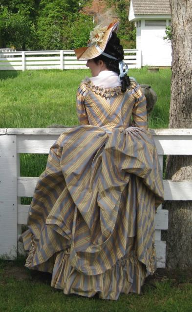 back view of 18th century dress